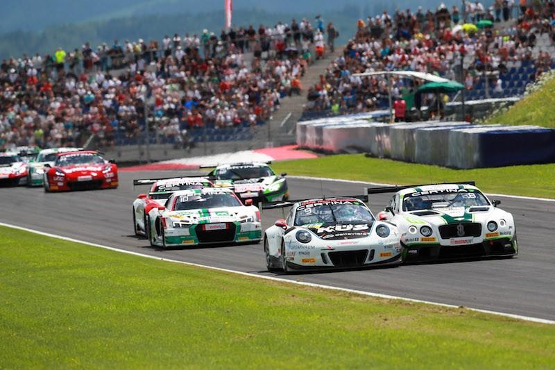 ADAC GT Masters, Porsche 911, Bentley Continental, Red Bull Ring, Foto:obs/ ADAC/Upietz