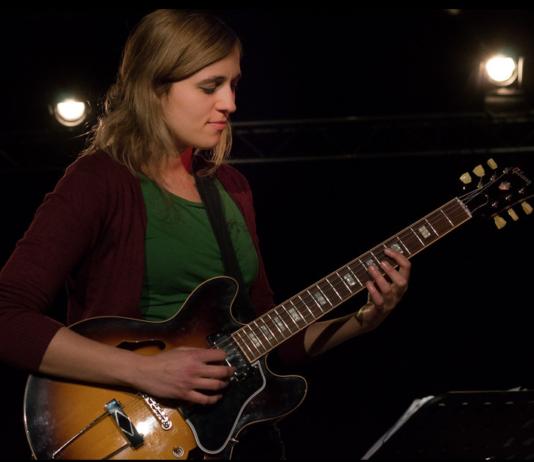 Christa Zurhausen Urban Jazz Grunge Foto (c) https://www.christinazurhausen.com/galerie/