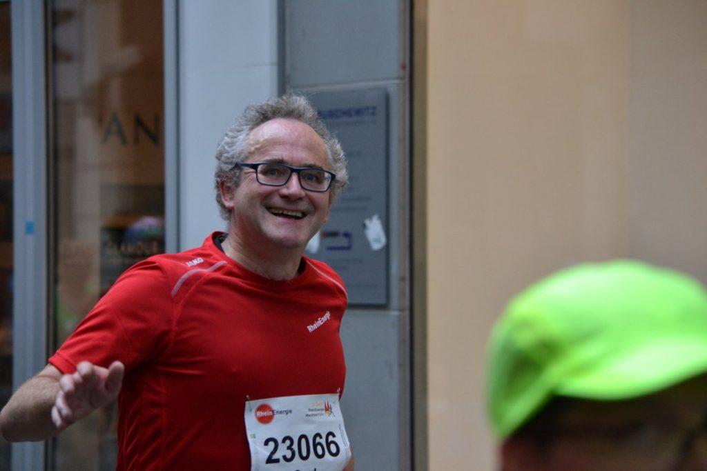@uehmche nach 21 Km Köln Halbmararthon 2016
