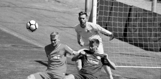 Thomas Kessler im Tor des 1.FC Köln beim WSV in Wuppertal