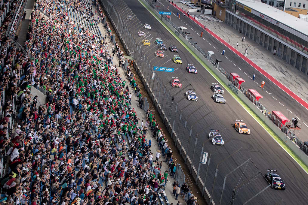 Motorsports: DTM Race Lausitzring, Saison 2017 - 2. Event Hockenheimring, GER, # 6 Robert Wickens (CAN, HWA AG, Mercedes-AMG C63 DTM), # 53 Jamie Green (GBR, Audi Sport Team Rosberg, Audi RS5 DTM), # 31 Tom Blomqvist (GBR, BMW Team RMR, BMW M4 DTM)