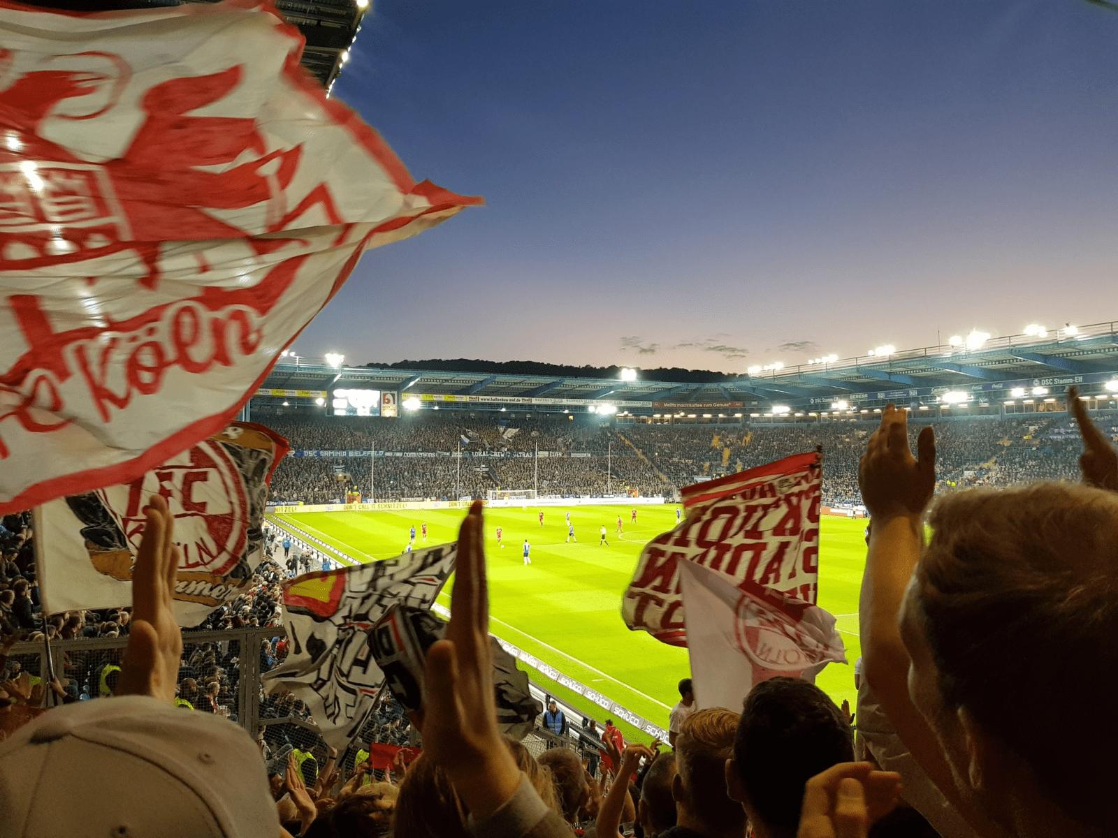 1FC Köln Auswärts bei Arminia Bilefeld Foto (c) @senfkutte