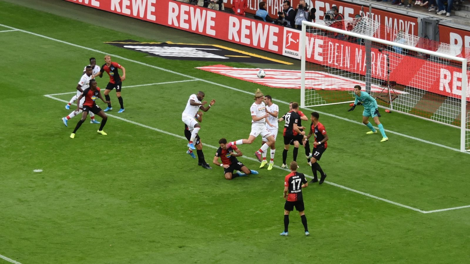 1.FC-Köln Anthony Modeste Kopfball Jarstein hält