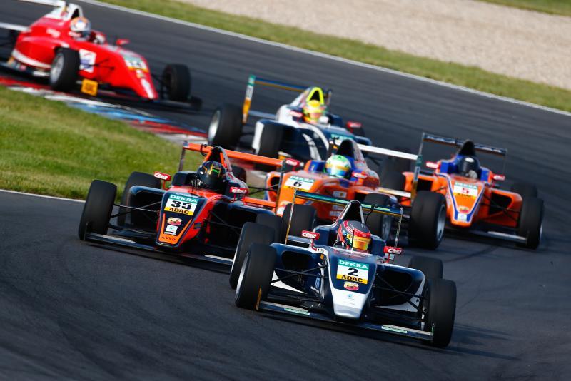 ADAC Formel 4, Lausitzring, US Racing, Jannes Fittje, Van Amersfoort Racing, Kami Laliberté Foto:@ADAC Motosport