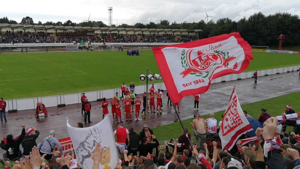 FC Spieler danken den Fans