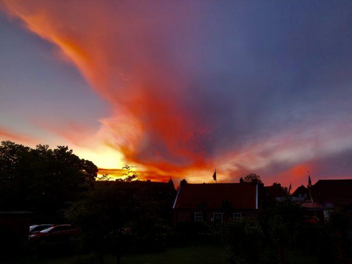 Sonnenuntergang Krummhörn im Juni 2021