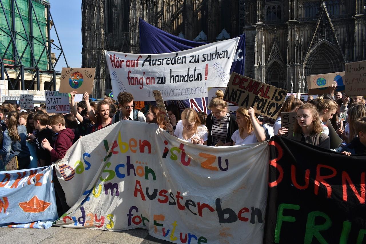 Fridaysforfuture -Parentsforfuture -Schoolstrike4Climate in Köln