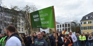"""Landwirte demonstrieren in Bonn """"Land schafft Verbindung – wir rufen zu Tisch"""""""