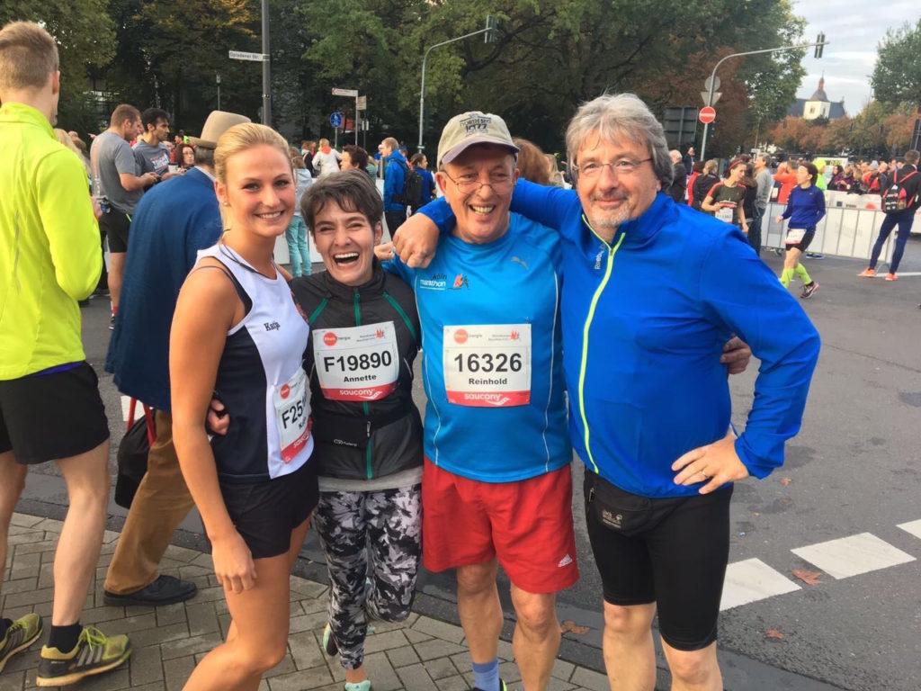 Koeln-Halb Marathon-2017 v.l. Katja, Annette,Jazzie und Klaus DieterKoeln-Halb Marathon-2017 v.l. Katja, Annette,Jazzie und Klaus Dieter