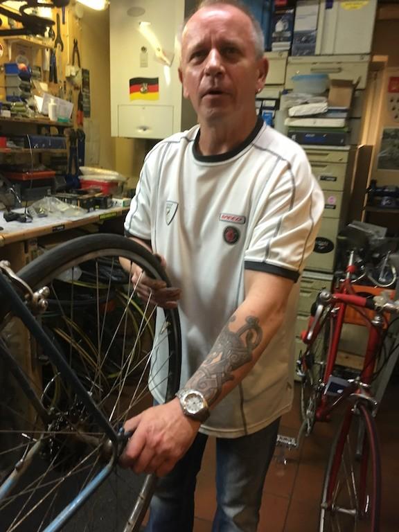 Peter Czock hat an meinem Rennrad - Ruck Zuck zugepackt und es fein repariert