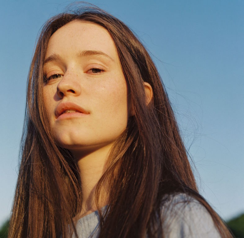 "Sigrid Hitsingle ""Sucker Punch""."