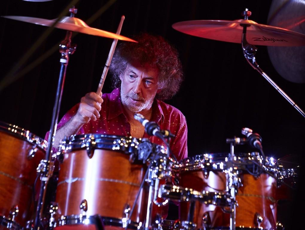 Mit Simon Phillips kommt einer der weltweit renommiertesten Schlagzeuger am 19. Oktober 2019 zum Jazzfestival Neuwied.