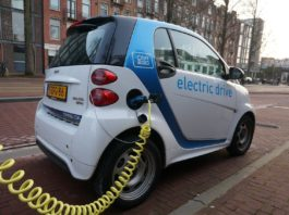 Kostenfrei Parken und dabei Energie tanken – praktisch und verbraucherfreundlich Foto(c)Pixabay.com