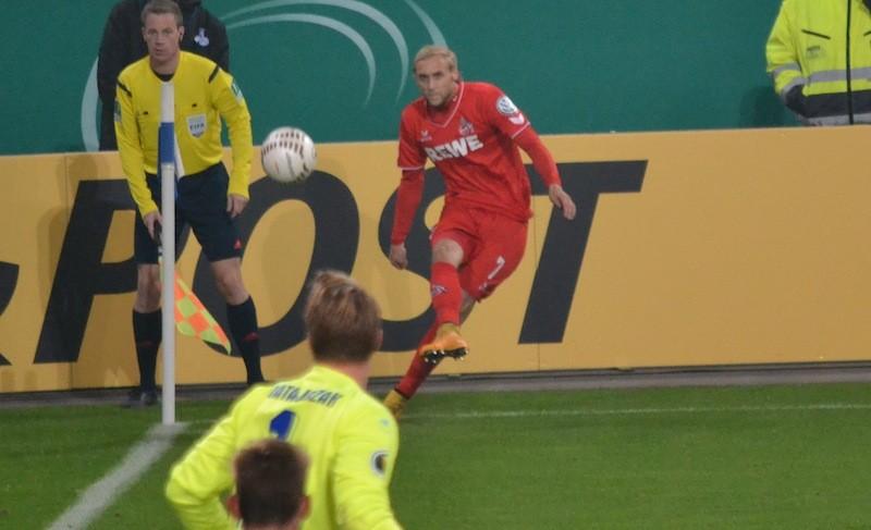 1FC Köln Eckball Risse gegen MSV Duisburg