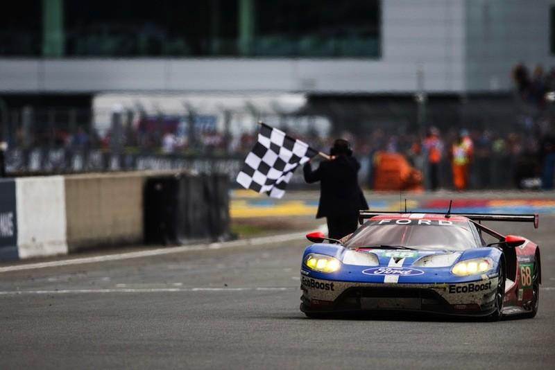 Ford GT mit der Startnummer 68 siegt mit Sébastien Bourdais, Joey Hand und Dirk Müller in der LM GTE Pro-Klasse. Foto: