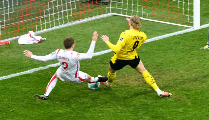 Haland BVB schießt den Ausgleich gegen den 1.FC Köln Foto(c)IMAGO / Uwe Kraft