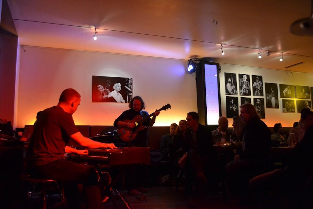 Jazz Köln Brian Seeger bei Foto Ausstellung Lajos Jardai