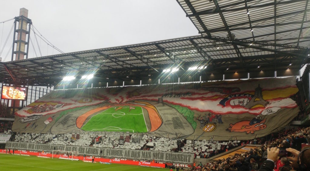 Choreo der Südkurve vor dem BVB Heimspiel
