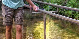 Wassertreten im Rahmen der Kneipp-Therapie. pixabay.com © silviarita (CCO Creative Commons)